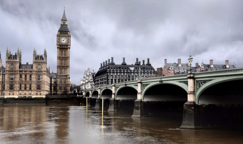 London luxury property market is 'booming', FT