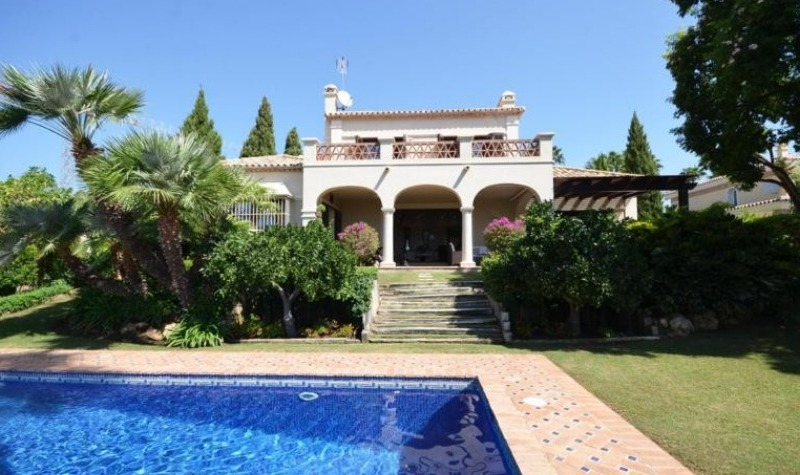Property Spotlight: Andalusian Villa in the Golf Valley